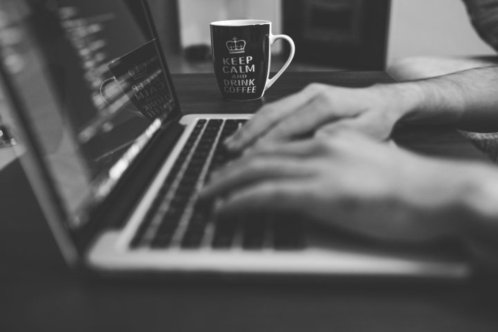 A cafeína pode ajudar no trabalho