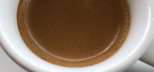 café causa mau hálito