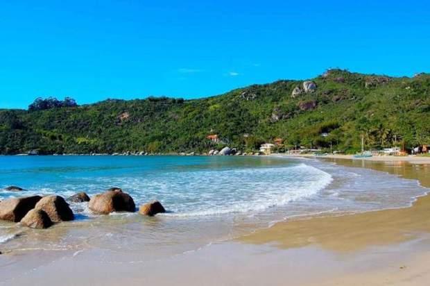 Melhores praias do Brasil: Bombinhas - Praia da Conceição - Santa Catarina