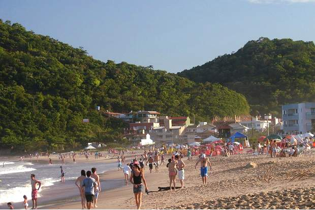 Melhores praias do Brasil: Balneário Camboriú - Praia dos Amores - Santa Catarina