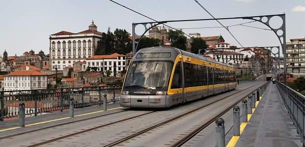 Como ir do Aeroporto de Porto ao centro?