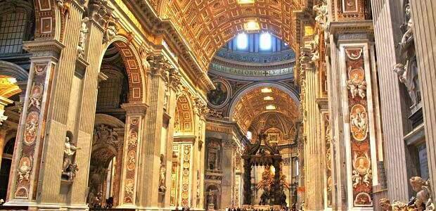 Visita à fenomenal Basílica de São Pedro no Vaticano
