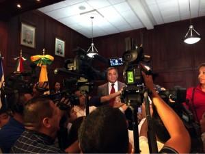 Cónsul de México en conferencia de prensa