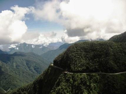 Carretera de La Muerte (Camino a Los Yungas)/ foto Clod