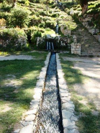 Escalinatas de Yumani (Escalera Piedra Inca) e Fuente del Inca (Fuente de la Juventud)