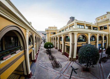 Centro Cívico y Comercial Plaza Real