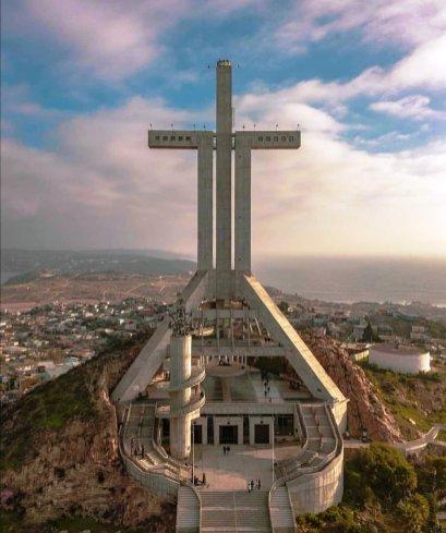Cruz del Tercer Milenio/ foto Alejandro Orellana