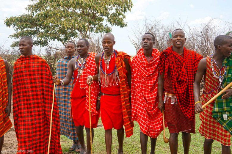 Roupa vermelha da Tribo Masai