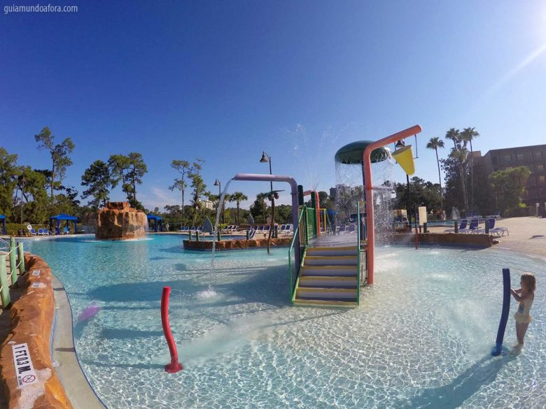Piscina do hotel do lado da Disney Springs