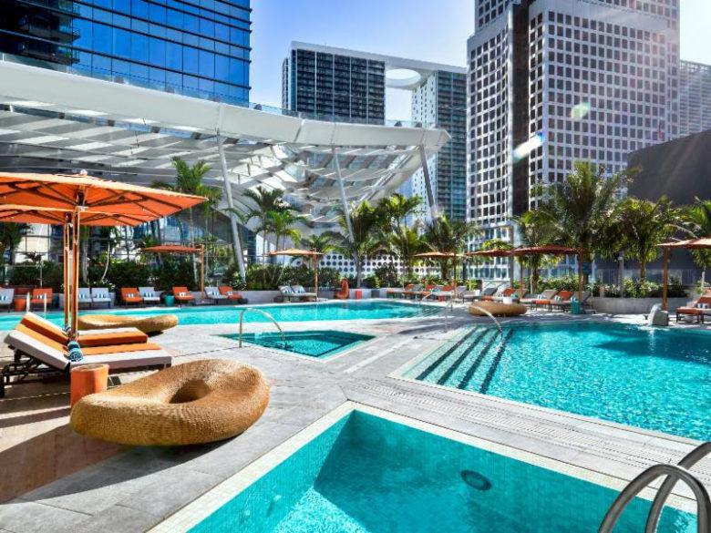 piscinas incríveis ao redor do mundo: EAST