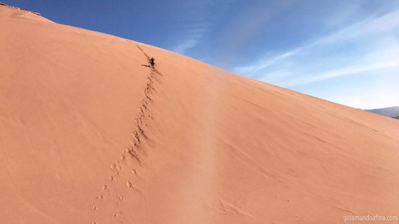 Descendo dunas do Valle de la Muerte