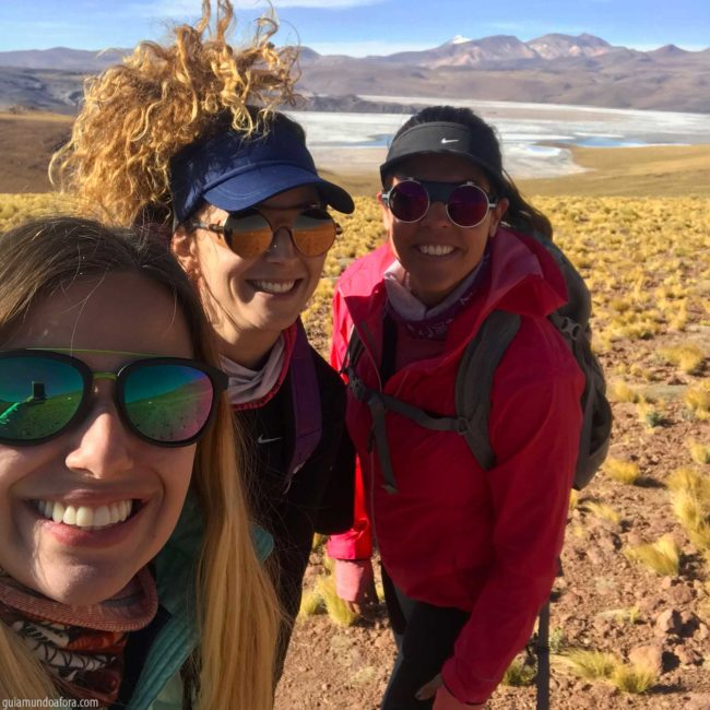 Meninas trekking no Atacama