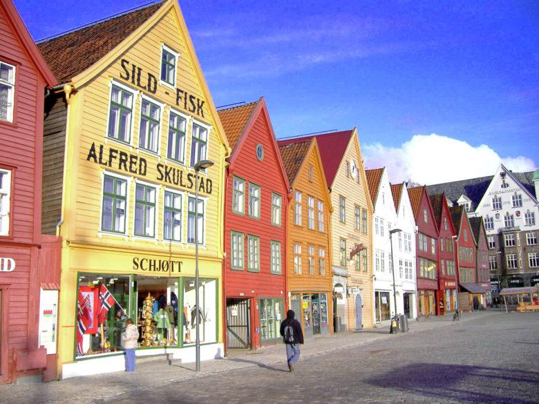 bryggen um dos patrimônios da UNESCO na Noruega