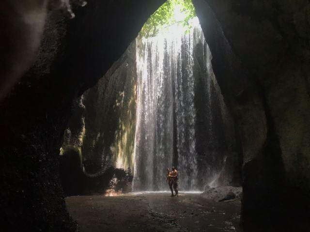 No esperéis encontrar muchas cascadas solitarias, pero la gente es respetuosa y dejan hacerse fotos en orden.