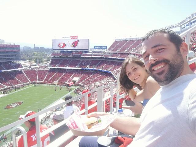Nuestros asientos en el Levi's Stadium. Preparados para la NFL en nuestro viaje a Costa Oeste.