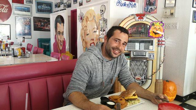 Mr D'z Dinner, gran decoración y gran comida en Kingman Az
