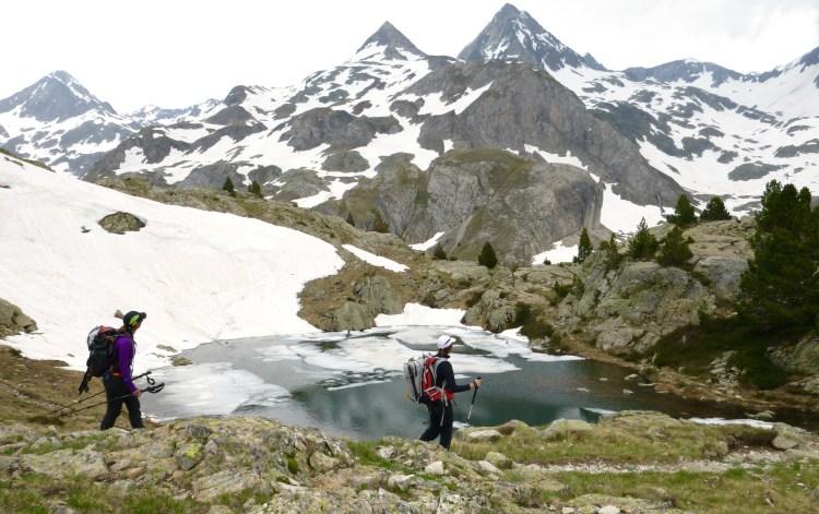Trekking en el Valle de Tena con guía de montaña. Alta Ruta del Valle de Tena