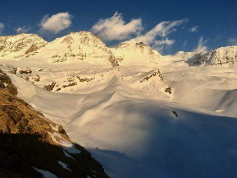 Contratar guía para el Tour del Gran Paradiso con esquís