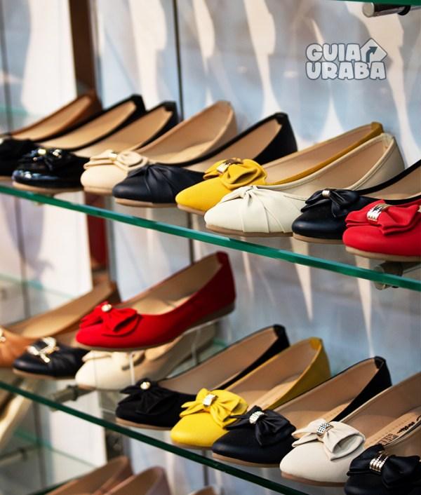 zapatos en la tienda de calzado en Turbo Calzado Colombia