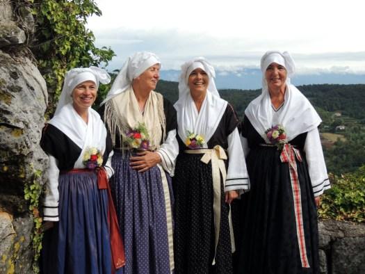 costumi-tradizionali-nozze-carsiche-trieste-bora