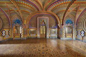 La sala dei pavoni del castello di Sammezzano, in provincia di Firenze