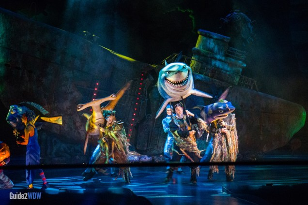 Bruce and the Sharks stop the show - Finding Nemo The Musical - Animal Kingdom Attraction