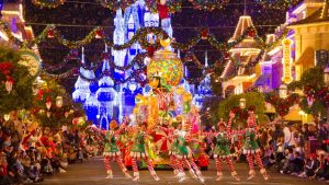 Christmas Parade - Goofy - Disney World