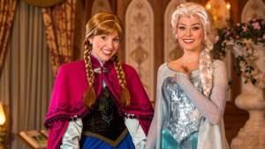 Anna & Elsa at Disney World