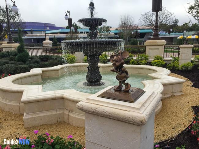 Plaza Gardens Fountain - Minnie Statue - Magic Kingdom