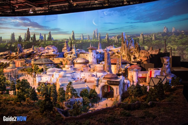 City - Star Wars: Galaxy's Edge Model - Disneyland and Disney World