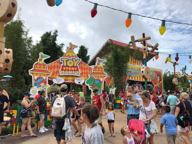 Toy Story Mania Queue - Toy Story Land - Disney's Hollywood Studios - Walt Disney World