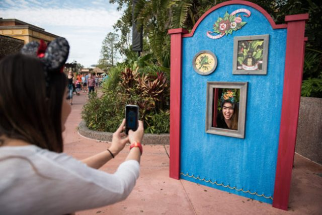 Epcot - Festival of the Arts Photo Op
