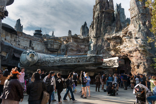 Falcon - Galaxys Edge Star Wars Galaxys Edge- Disneyland- Guide2WDW