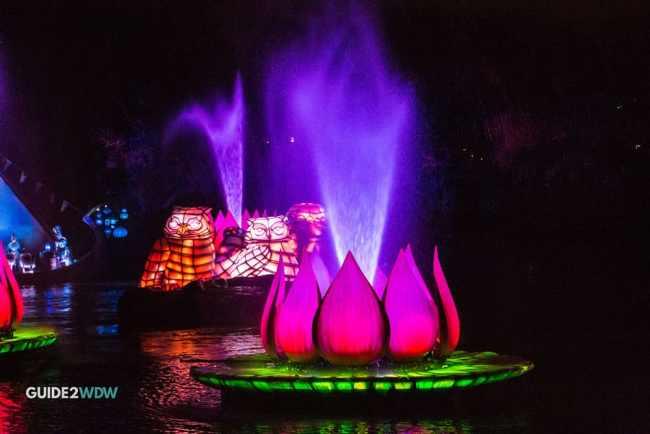 Floats - Rivers of Light - Animal Kingdom Show - Disney World Entertainment - Guide2WDW