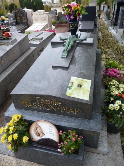 Tombe De Marie Laforet : tombe, marie, laforet, Visit:, Célébrités, Cimetière, Père, Lachaise, Lachaise,, Paris, Guided, Annie, CHAPUIS, Tours, Guideapolis