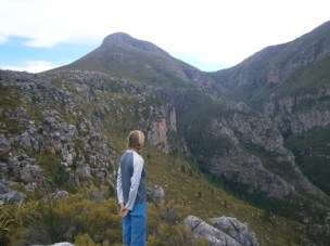 Looking down into Noupoortkloof, Uitkykkop on the left.