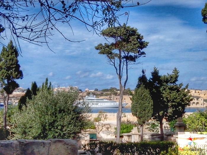 jardin floriana cimetiere