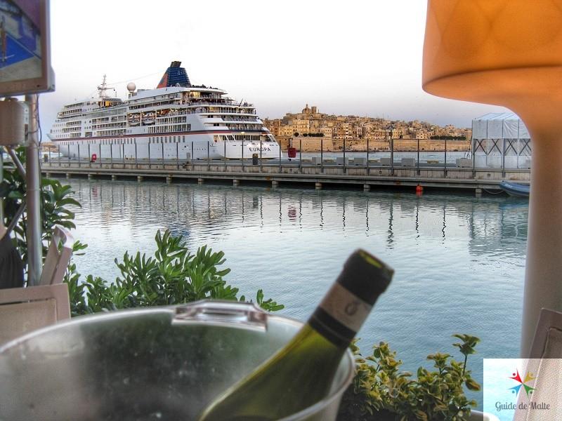 bar restaurant valletta waterfront malte