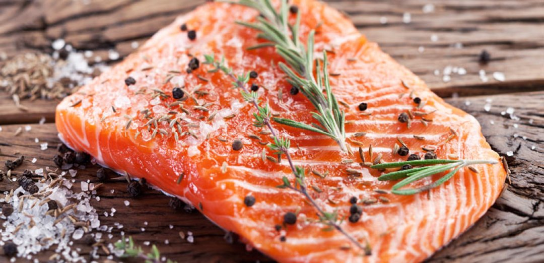 Cómo aprovechar al máximo la nutrición del salmón sazonado.