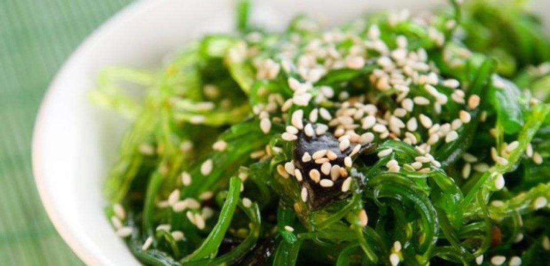 ensalada de algas japonesas