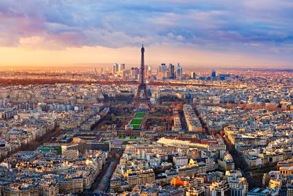 Paris sous le coucher de soleil