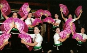 La-danse-Xoe-de-l'ethnie-Thai