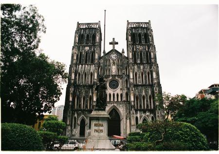 La-Cathedrale-de-Hanoi