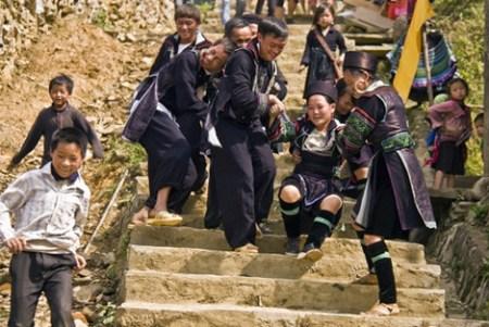vol-des-femmes-de-l'ethnie-H'Mong