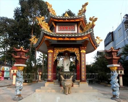 L'ancienne-pagode-Hue-Nghiem4