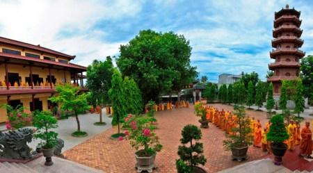 pagode-tu-dam