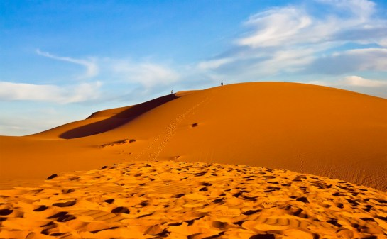 the-red-sand-dune-mui-ne-best-time-to-visit