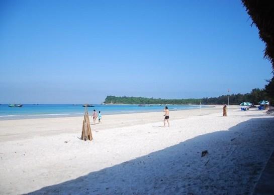 plage à la baie d'halong 1