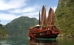 Top 8 croisières à la baie d'Halong du milieu de gamme