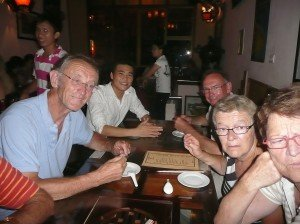 Diner dans un restaurant famillial Hanoi